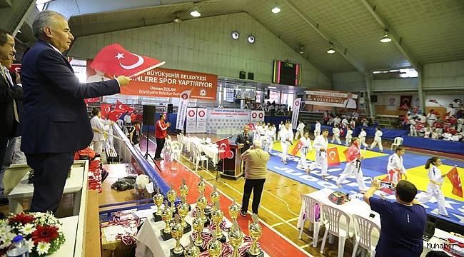 Büyükşehir'den Cumhuriyet Turnuvası