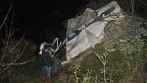 Minibüs uçuruma yuvarlandı: 3 ölü, 3 yaralı