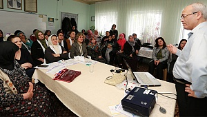 Kadın Meclisi'nden kadınlara yönelik eğitim seminerleri