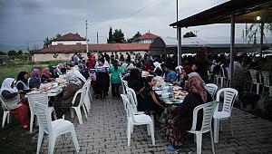 DESİAD, DEPREMZEDELERE İFTAR VERDİ