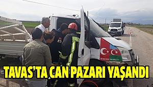 Kamyonet Otomobille Çarpıştı:3 Yaralı