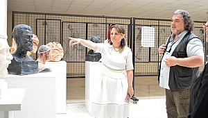 PAÜ Eğitim Fakültesi'nde 19 Mayıs Kutlamaları Karma Heykel Sergisi ile Başladı
