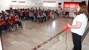 Sağlık Müdürlüğü'nden Öğrencilere Akıllı İlaç Kullanımı Eğitimi