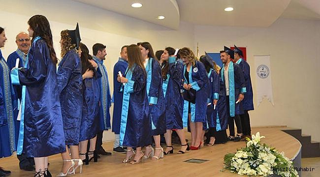 Bekilli Meslek Yüksekokulu Mezuniyetini Coşkuyla Kutladı