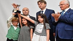 Dereceye Giren Öğrenciler Ödüllerini Karahan'dan Aldı