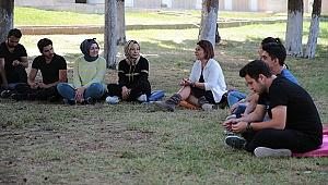 Gençler, Sivil Toplum Kuruluşu Temsilcileri İle Buluşuyor