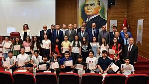 Vali Karahan LGS Birincilerini Ödüllendirdi