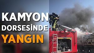 Kamyonet Dorsesinde Çıkan Yangın Kokuttu