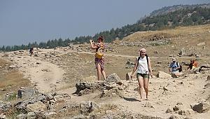 Pamukkale'yi 8 ayda 1 milyon 732 bin kişi ziyaret etti