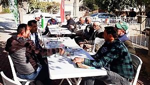 HEKTAŞ Denizli'de çiftçilere akıllı tarım uygulamalarını anlattı