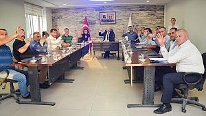 Sarayköy Belediye Meclisi huzur hakkı ödemelerini Mehmetçik Vakfı'na bağışladı