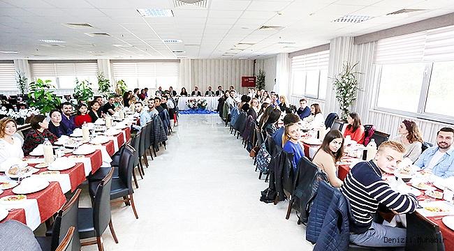 Rektör Bağ, Yabancı Öğrencilerle yemekte buluştu