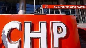 CHP'de 2 aday yarıştan çekildi