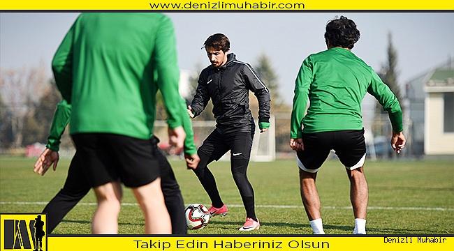 Horoz, 3 eksikle Trabzona gidiyor