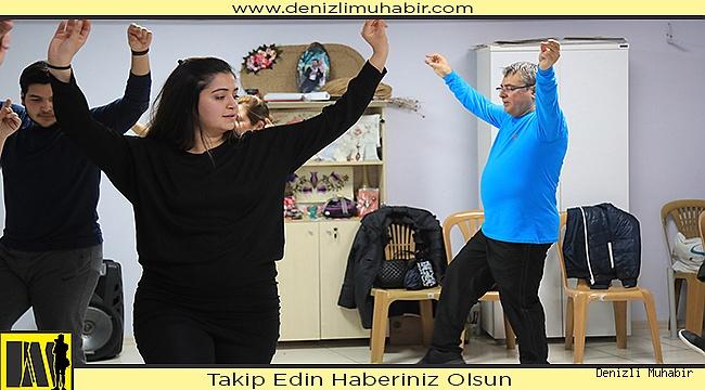 PAMUKKALE'DE KIŞ DÖNEMİ HALK OYUNLARI KURS BAŞVURULARI BAŞLADI