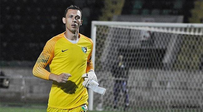 YukatelDenizlispor'un vazgeçilmezi Adam Stackhowiak