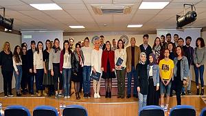 'Toplumsal Cinsiyet ve Akademide Cam Tavan Sendromu'