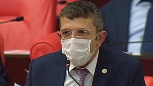 Öztürk, sağlık çalışanlarının hakkını istedi