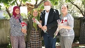 Kepenek'ten Honazlı Annelere binlerce karanfil
