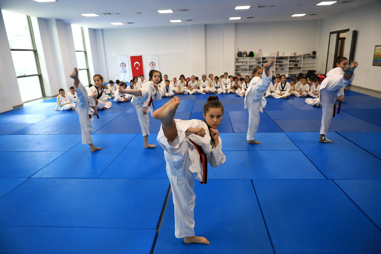 Büyükşehir spor kursları yeniden başlıyor