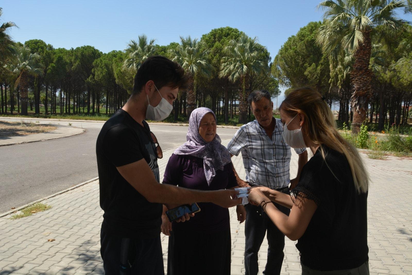 Başkan Özbaş üniversite öğrencilerine güven dağıttı