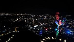 Horoz Azerbaycan renklerine büründü