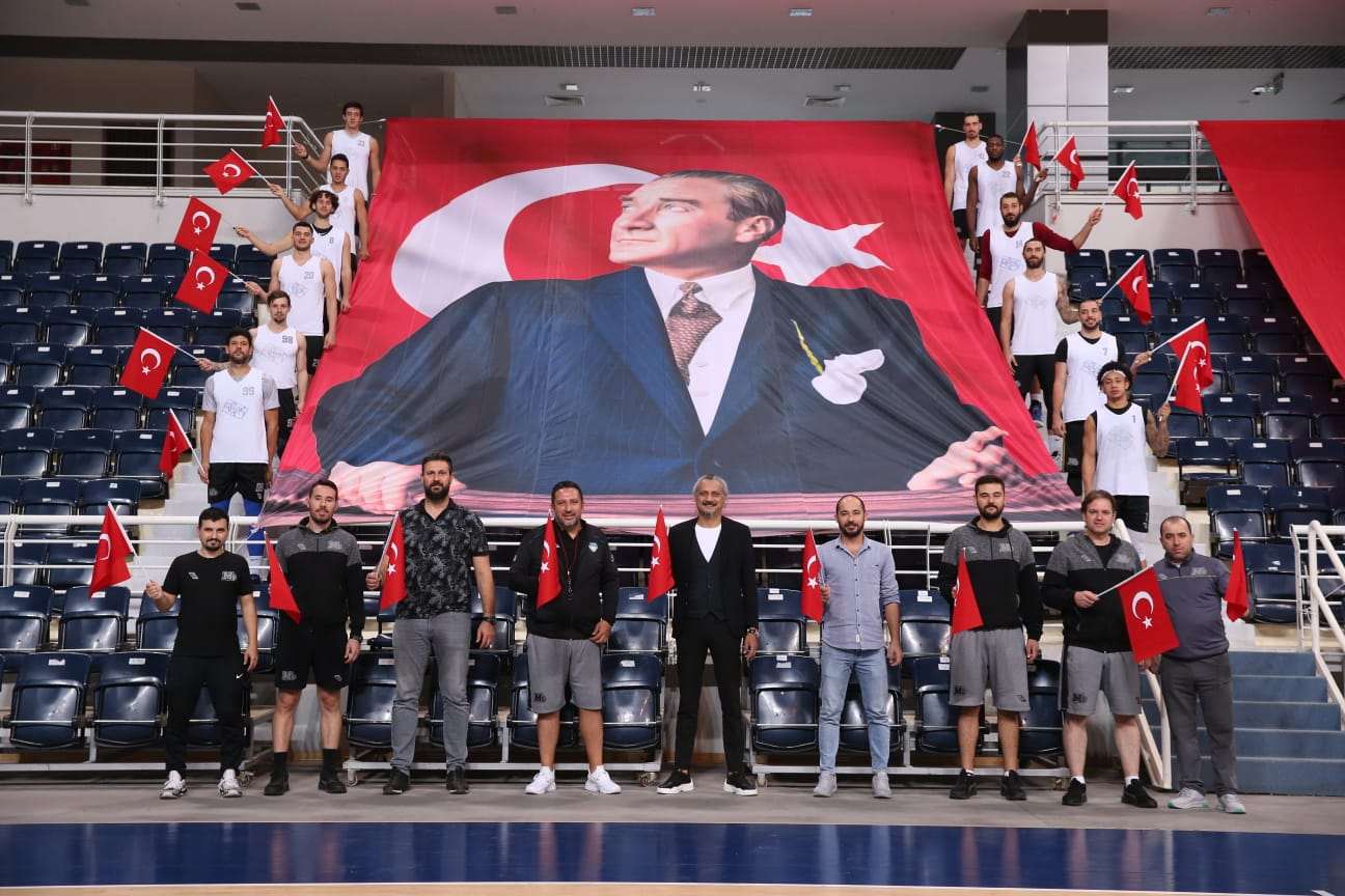 Merkezefendi Denizli Basket'ten Cumhuriyet Bayramı kutlaması