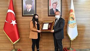 Şehit Yakınımıza ve Gazimize Devlet Övünç Madalyası Verildi