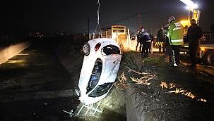 Sulama kanalına uçan otomobilin sürücüsü kayıplara karıştı