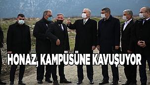 HONAZ, KAMPÜSÜNE KAVUŞUYOR
