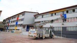Denizli'de Pamukkale'nin eli okullarda