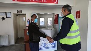Pamukkale Belediyesi 600 kıraathaneye destek paketi dağıttı