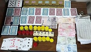 Denizli'de 3 adreste kumar oynayan 25 şüpheliye 33 bin 400 TL idari para cezası
