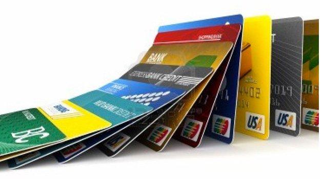 Her cüzdanda ortalama iki kredi kartı